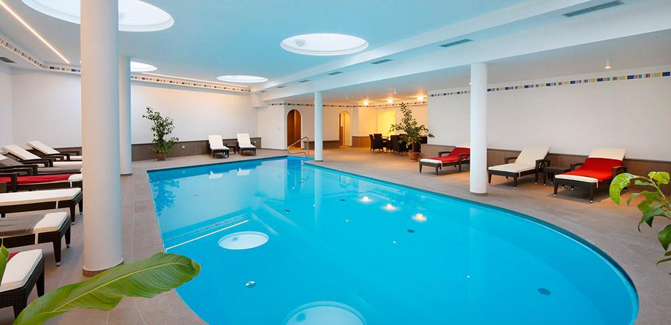 Hotel di appiano con piscina coperta aperto tutto l anno - Hotel con piscina coperta ...